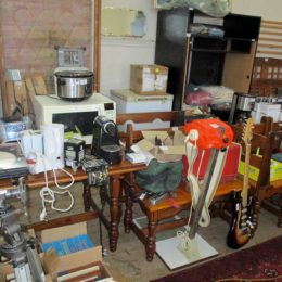 wed 5 may auction photos 077